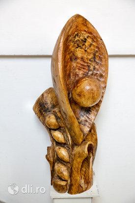 sculptura-in-lemn-din-muzeul-etnografic-al-maramuresului-din-sighetu-marmatiei-judetul-maramures.jpg