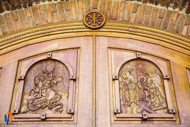 sculptura-in-lemn-manastirea-stelea-din-targoviste-judetul-dambovita.jpg