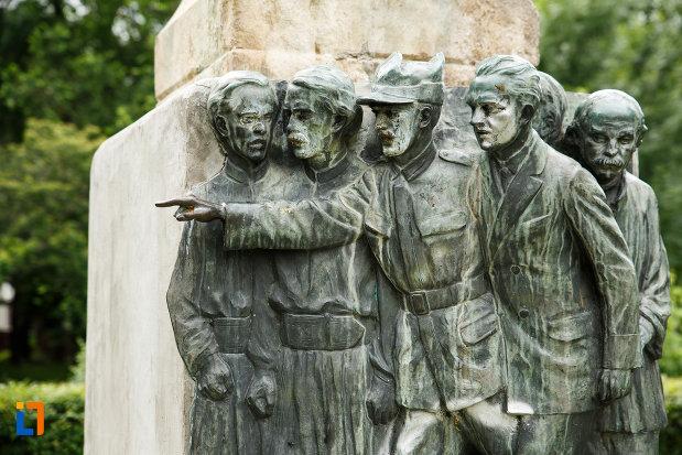 sculptura-in-relief-aflata-la-bustul-lui-nicolae-filipescu-din-focsani.jpg