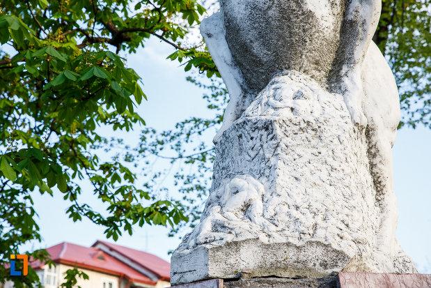 sculptura-in-relief-de-la-monumentul-eroilor-din-sebes-judetul-alba.jpg
