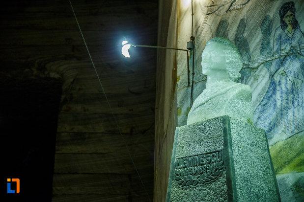 sculptura-in-sare-mihai-eminescu-salina-unirea-din-slanic-judetul-prahova.jpg