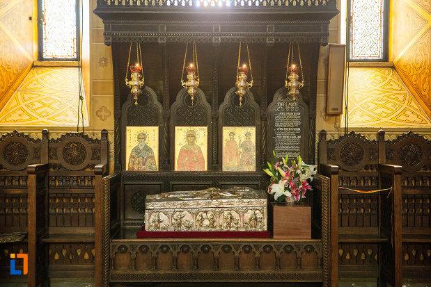 sfintele-moaste-din-catedrala-mitropolitana-sf-dimitrie-din-craiova-judetul-dolj.jpg