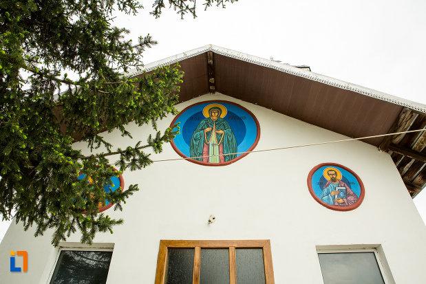sfinti-de-la-biserica-cuvioasa-paraschiva-din-teis-judetul-olt.jpg