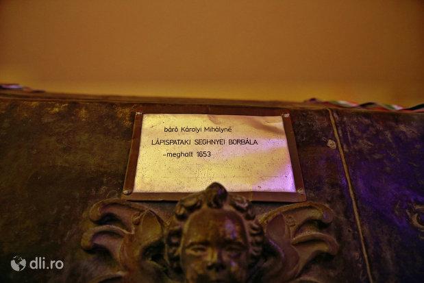 sicriul-baronesei-karolyi-borbala-cripta-familiei-karolyi-de-la-manastirea-franciscana-sf-anton-din-capleni-judetul-satu-mare-2.jpg