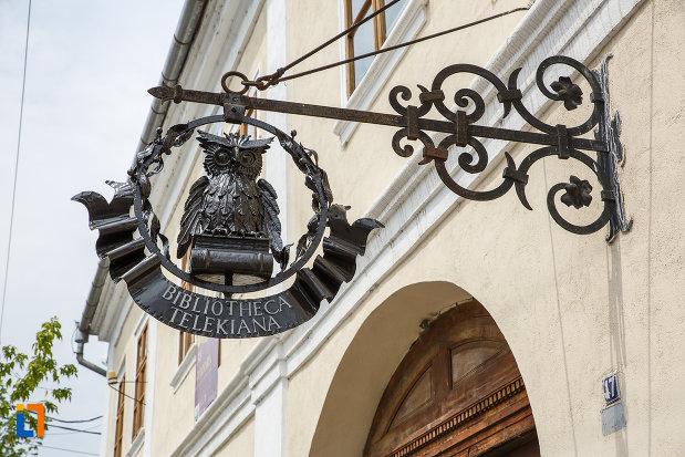 simbol-de-la-biblioteca-teleky-bolyai-1799-din-targu-mures-judetul-mures.jpg