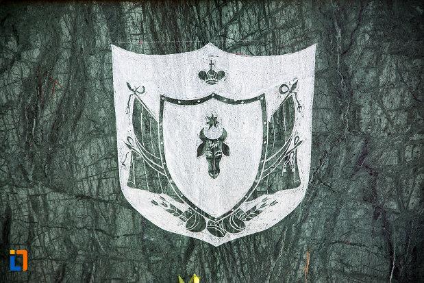 simbol-de-la-bustul-domnitorului-alexandru-ioan-cuza-din-tecuci-judetul-galati.jpg
