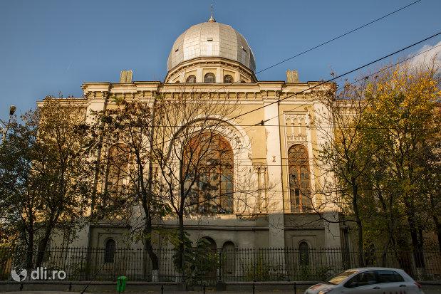sinagoga-bd-independentei-din-oradea.jpg