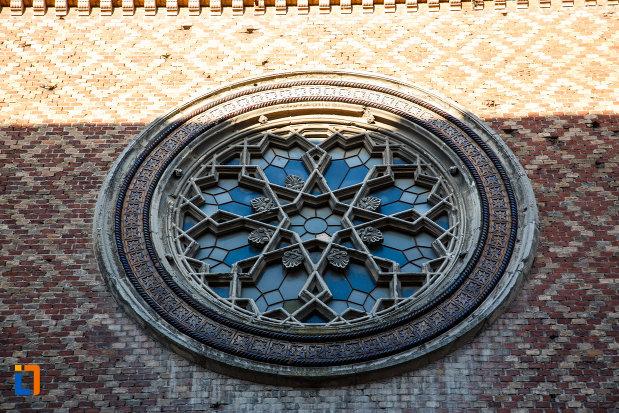 sinagoga-din-cetate-din-timisoara-judetul-timis-vitraliu-circular.jpg