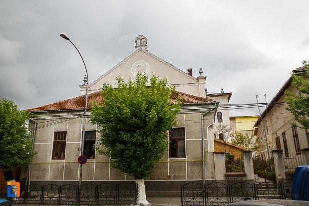 sinagoga-din-deva-judetul-hunedoara-imagine-cu-partea-de-sus.jpg