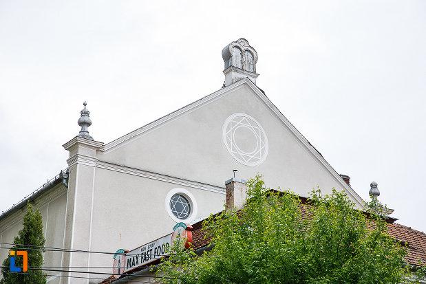 sinagoga-din-deva-judetul-hunedoara.jpg