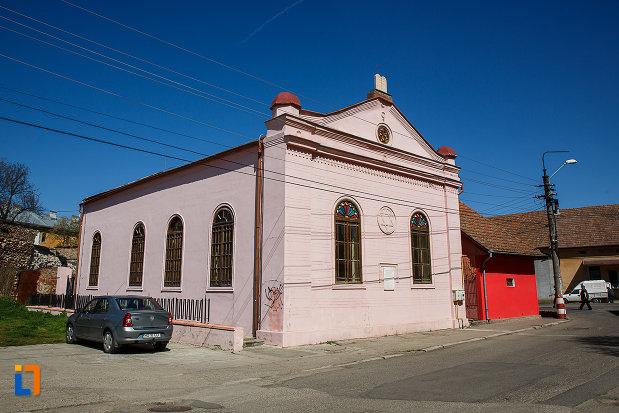 sinagoga-din-orastie-judetul-hunedoara.jpg