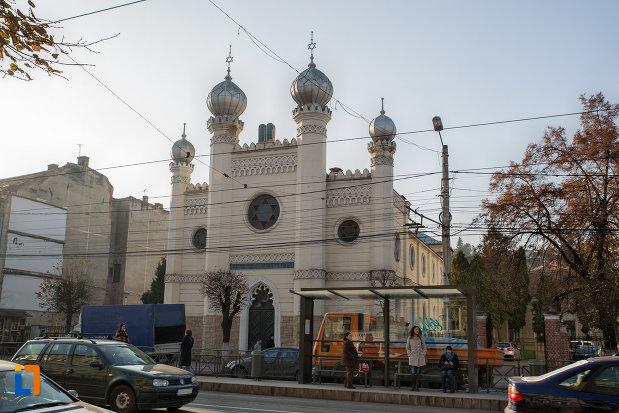 sinagoga-neologa-din-cluj-napoca-judetul-cluj.jpg