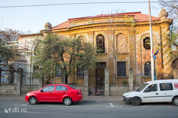 sinagoga-piata-rahovei-din-oradea.jpg