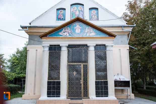 sir-de-coloane-de-la-biserica-sf-voievozi-1839-din-tandarei-judetul-ialomita.jpg