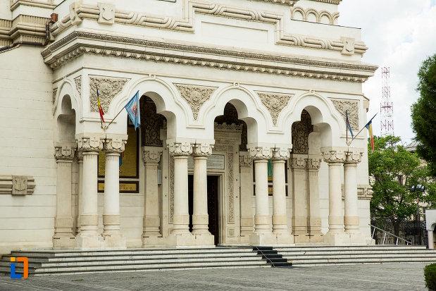 sir-de-coloane-de-la-catedrala-ortodoxa-sf-ierarh-nicolae-si-andrei-din-galati-din-galati.jpg