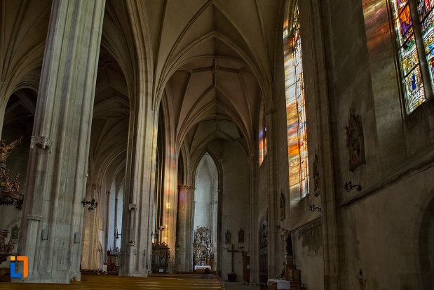 sir-de-coloane-din-biserica-sfantul-mihail-din-cluj-napoca-judetul-cluj.jpg
