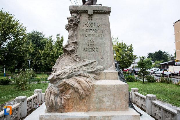 soclul-de-la-monumentul-eroilor-din-bolintin-vale-judetul-giurgiu.jpg
