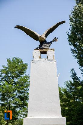 soimul-de-la-monumentul-ostasului-necunoscut-din-oltenita-judetul-calarasi.jpg