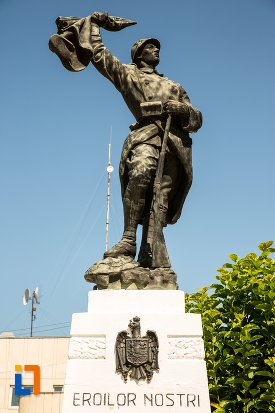 soldatul-de-la-monumentul-eroilor-din-ianca-judetul-braila.jpg