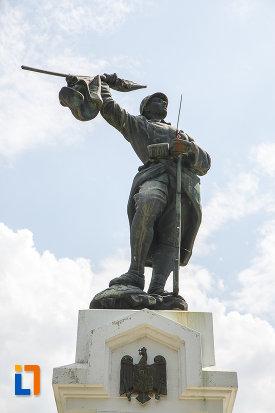 soldatul-de-pe-monumentul-eroilor-din-zimnicea-judetul-teleorman.jpg