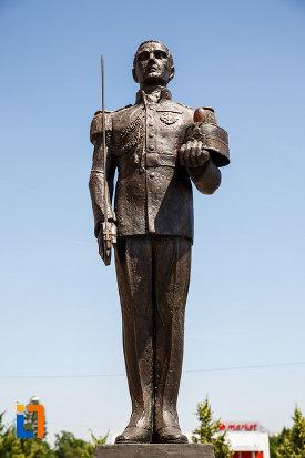 soldatul-de-pe-monumentul-eroilor-neamului-din-sannicolau-mare-judetul-timis.jpg