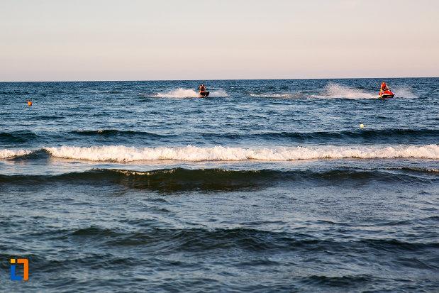 sporturi-nautice-practicate-in-statiunea-mamaia-judetul-constanta.jpg