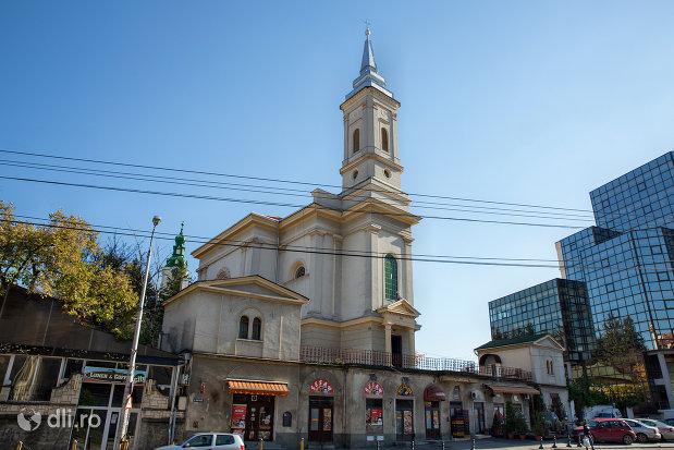 spre-biserica-romano-catolica-din-zalau-judetul-salaj.jpg
