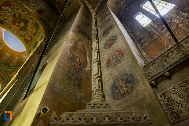 stalp-pictat-catedrala-ortodoxa-a-vadului-feleacului-si-clujului-din-cluj-napoca-judetul-cluj.jpg