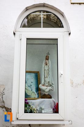 statueta-de-la-biserica-romano-catolica-din-giurgiu-judetul-giurgiu.jpg