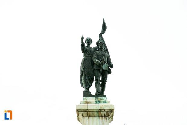 statui-de-la-monumentul-independentei-din-corabia-judetul-olt.jpg