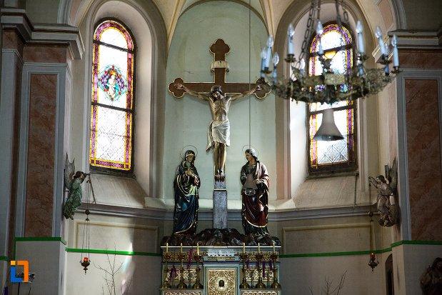 statui-din-capela-romano-catolica-din-alba-iulia-judetul-alba.jpg