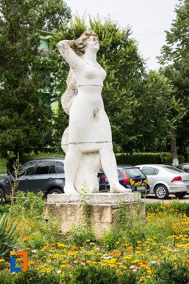 statuia-cultura-fizica-din-eforie-nord-judetul-constanta.jpg