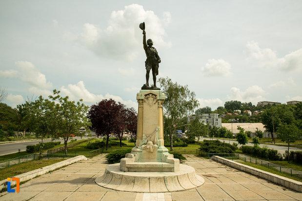 statuia-ecaterina-teodoroiu-din-slatina-judetul-olt.jpg