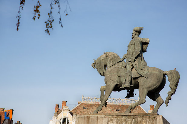 statuia-ecvestra-a-lui-mihai-viteazul-din-cluj-napoca-judetul-cluj.jpg