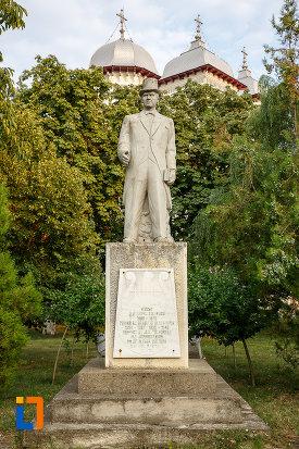 statuia-lui-alexandru-colfescu-din-alexandria-judetul-teleorman.jpg