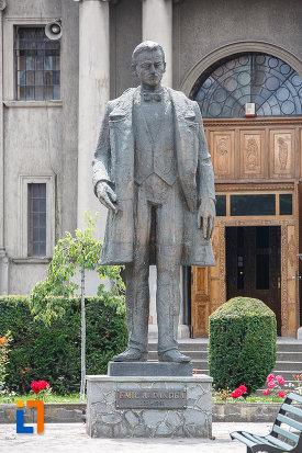 statuia-lui-emil-a-dandea-din-targu-mures-judetul-mures.jpg