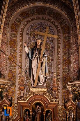 statuia-lui-iisus-hristos-din-catedrala-romano-catolica-millenium-din-timisoara-judetul-timis.jpg