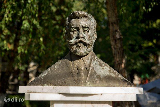 statuia-lui-ion-ic-bratianu-din-negresti-oas-judetul-satu-mare.jpg