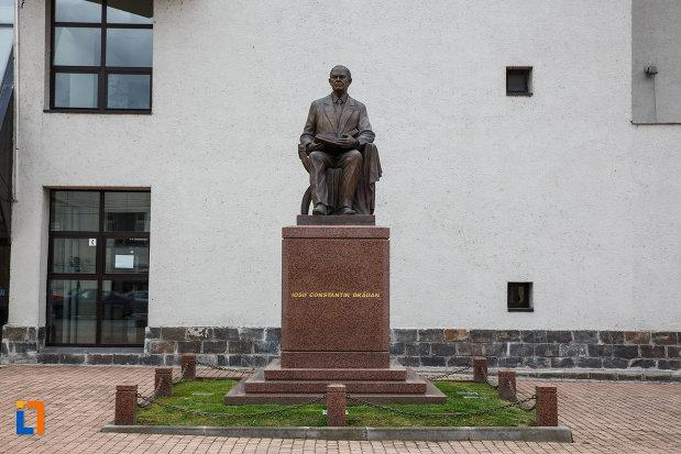 statuia-lui-iosif-constantin-dragan-din-lugoj-judetul-timis.jpg