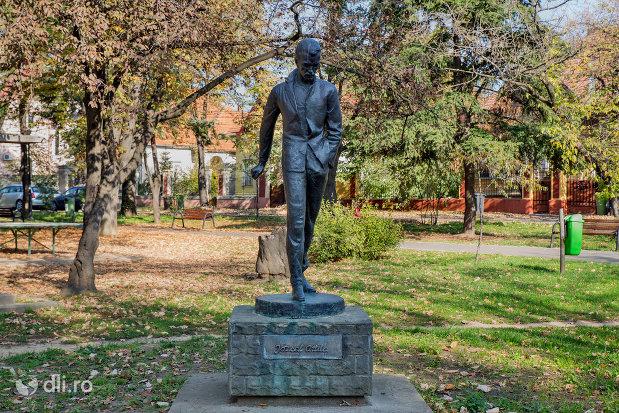 statuia-lui-jozsef-atilla-din-oradea-judetul-bihor.jpg