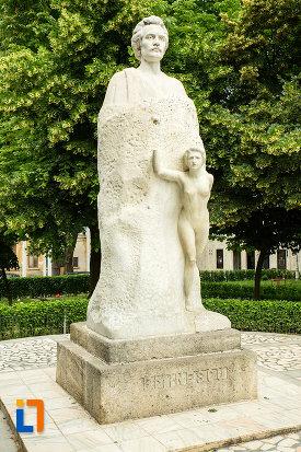 statuia-lui-mihai-eminescu-din-galati-judetul-galati.jpg