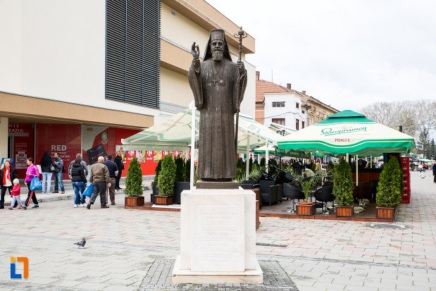 statuia-lui-miron-costea-din-caransebes-judetul-caras-severin.jpg