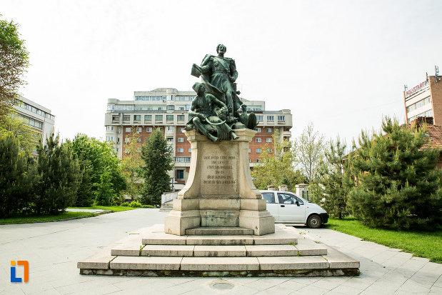 statuia-lui-stirbei-voda-din-craiova-judetul-dolj.jpg