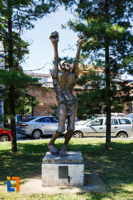 statuia-omul-tinta-din-timisoara-judetul-timis.jpg