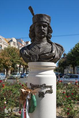 statuia-rakoczi-ferenc-din-satu-mare-judetul-satu-mare.jpg