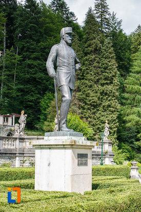 statuia-regelui-carol-i-al-romaniei-din-sinaia-judetul-prahova.jpg