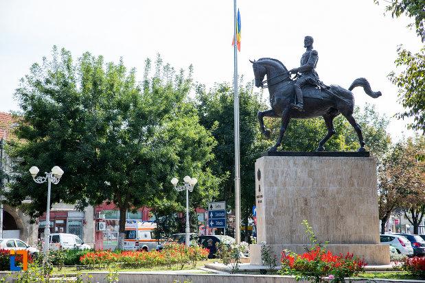 statuia-regelui-carol-i-din-calarasi-judetul-calarasi.jpg