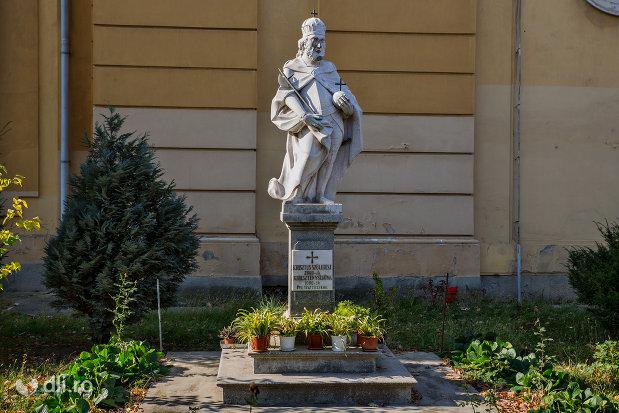 statuia-regelui-ladislau-ii-din-oradea-judetul-bihor.jpg