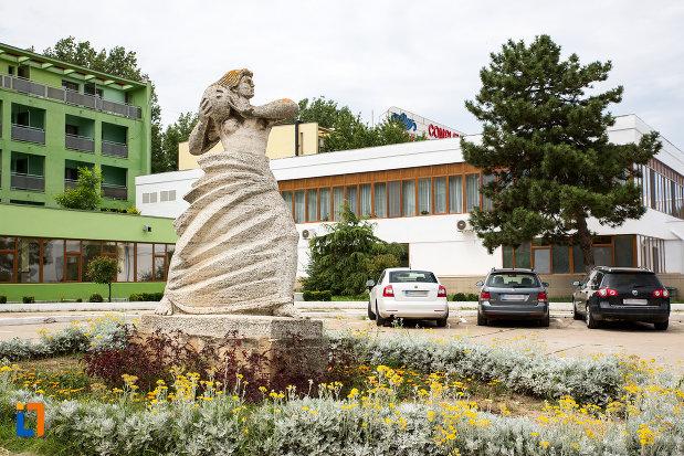 statuia-stiinta-si-sortul-din-eforie-nord-judetul-constanta.jpg
