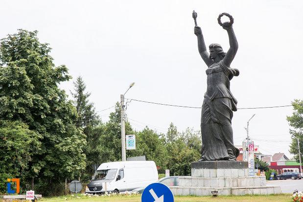 statuia-triumf-din-giurgiu-judetul-giurgiu.jpg